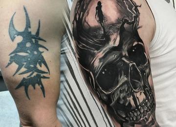 @jewelz _tattoo Instagram