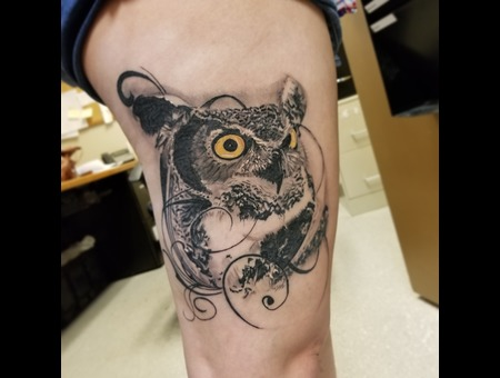 Owl Black Grey Thigh