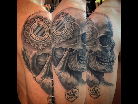 Skull  Football  Realistic Black Grey Shoulder