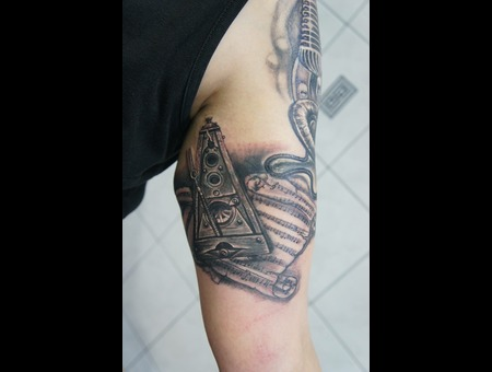 #Metronometattoo#Rodosinktattoo#Ledjaqereshnikutattoo# Black Grey Arm