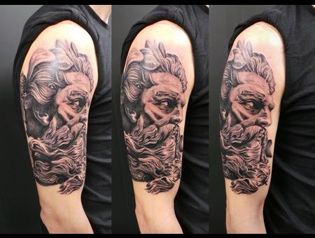 Zeus  Black&Grey Black Grey Arm