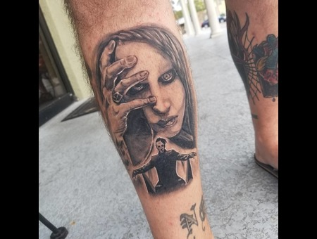 Marilyn Manson  Portrait Black Grey Lower Leg