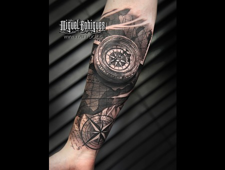 Tattoo  Miguel Bohigues  Compass  Realism Black Grey Forearm