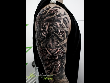 Tiger  Realistic  Animal Black Grey Arm