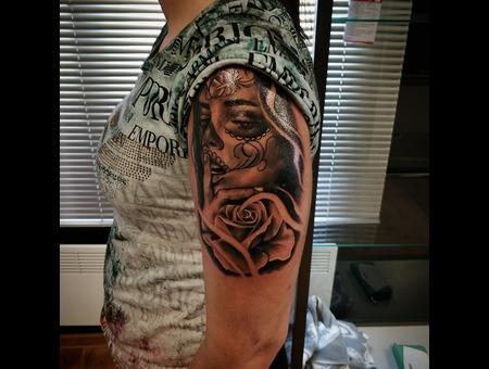 Sugarskull Girl  Rose Tattoo Design. #Inkandarttattoo Black Grey Shoulder