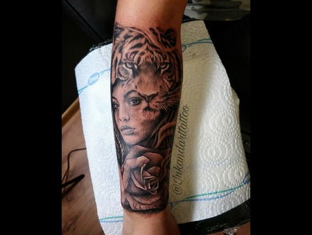 Tiger  Girl  Rose  Sleeve Tattoo Design. #Inkandarttattoo Black Grey Arm