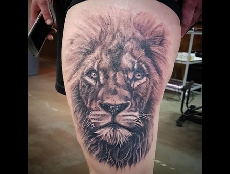 Lion  Realistic Black Grey Thigh
