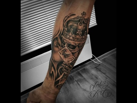 Skull  King Tattoo. Ink & Art Tattoo Shop Black Grey