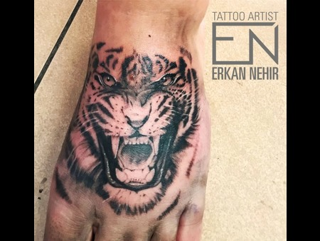 Tiger Black Grey Realism Artist Erkan Nehir Marmaris Black Grey Foot