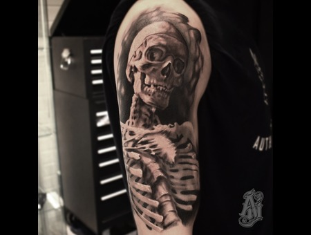 Skeleton Black Grey Shoulder