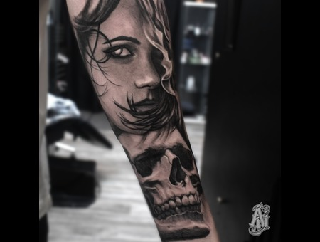Woman Skull Black Grey Forearm