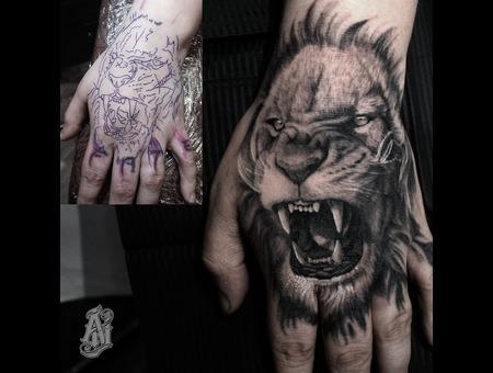 Lion Coverup Black Grey Arm