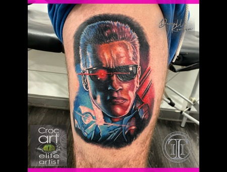 Portrait  Terminator  Color Portrait. Color Thigh