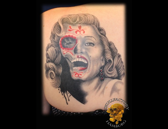 Marilyn Monroe  Realistic  Portrait  Skull Black Grey Shoulder