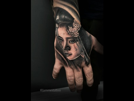 Hand Tattoo Geisha Jammestattoo Black And Grey Black Grey Arm