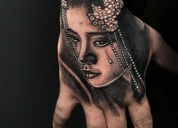 hand tattoo geisha jammestattoo black and grey