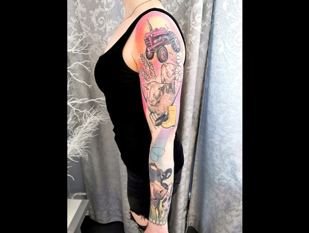 Animals  Sleeve  Colors  Realism  Color Arm
