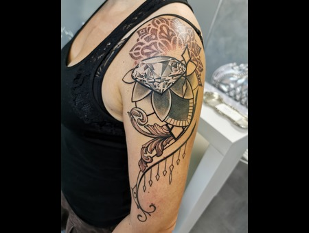 Coverup  Realism  Jewellery  Diamond  Mandala  Filigree Black Grey Arm
