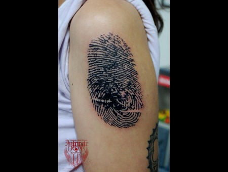 Fingerprint Black White Arm