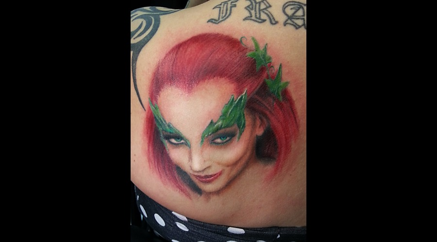 Uma Thurman  Poison Ivy Color