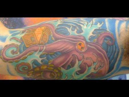 Octopus  Treasure  Waves Color