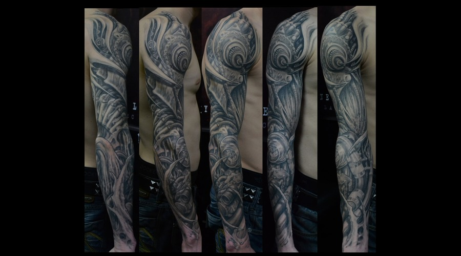 Biomech Motor Sleeve Black White