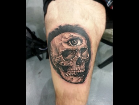 Realistic Skull Black White