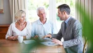 senior couple buying guaranteed issue life insurance