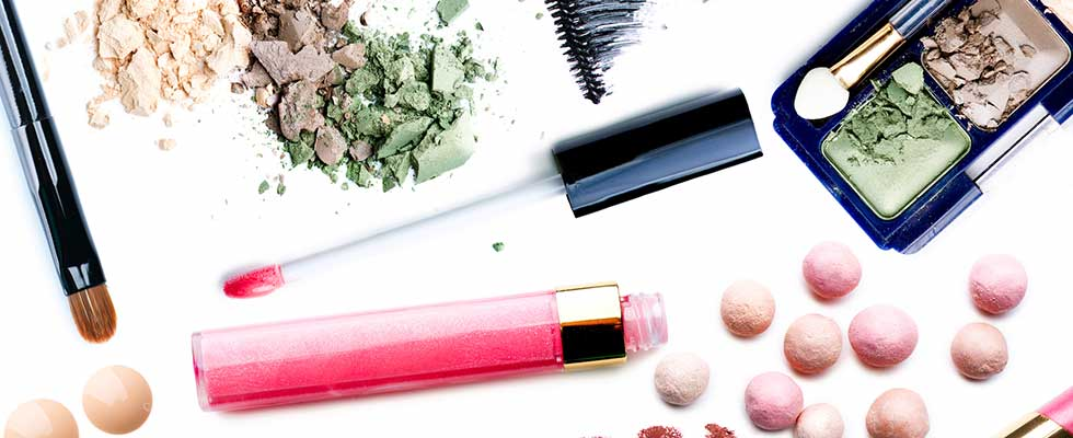 6 Ways to Get Free Makeup Samples