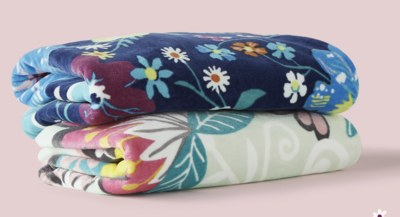 Free Vera Bradley Gift Cards and Beach Towels