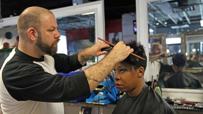 Hairstylist Wade Lee Richards recently relocated to Philadelphia. Richards said he is excited to work with a diverse clientele at Mecca Unisex Salon. | KELSEY DUBINSKY / TTN