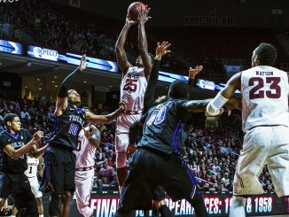 Junior guard Quenton DeCosey pulls up for a shot in Temple's loss to Tulsa last Saturday. DeCosey finished the afternoon with 12 points. Chip Frenette | TTN
