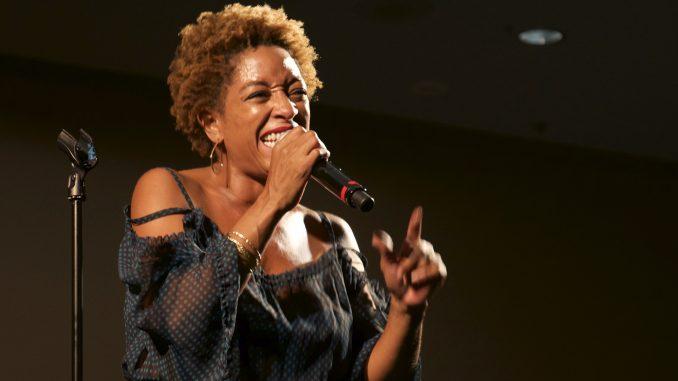 Julie Dexter performed free-form jazz and scatt at the Kimmel Arts Center Sept. 8. | Brian Tom TTN
