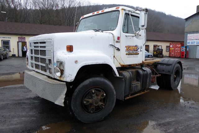 1986 INTERNATIONAL 2575 CAB CHASSIS TRUCK #699344