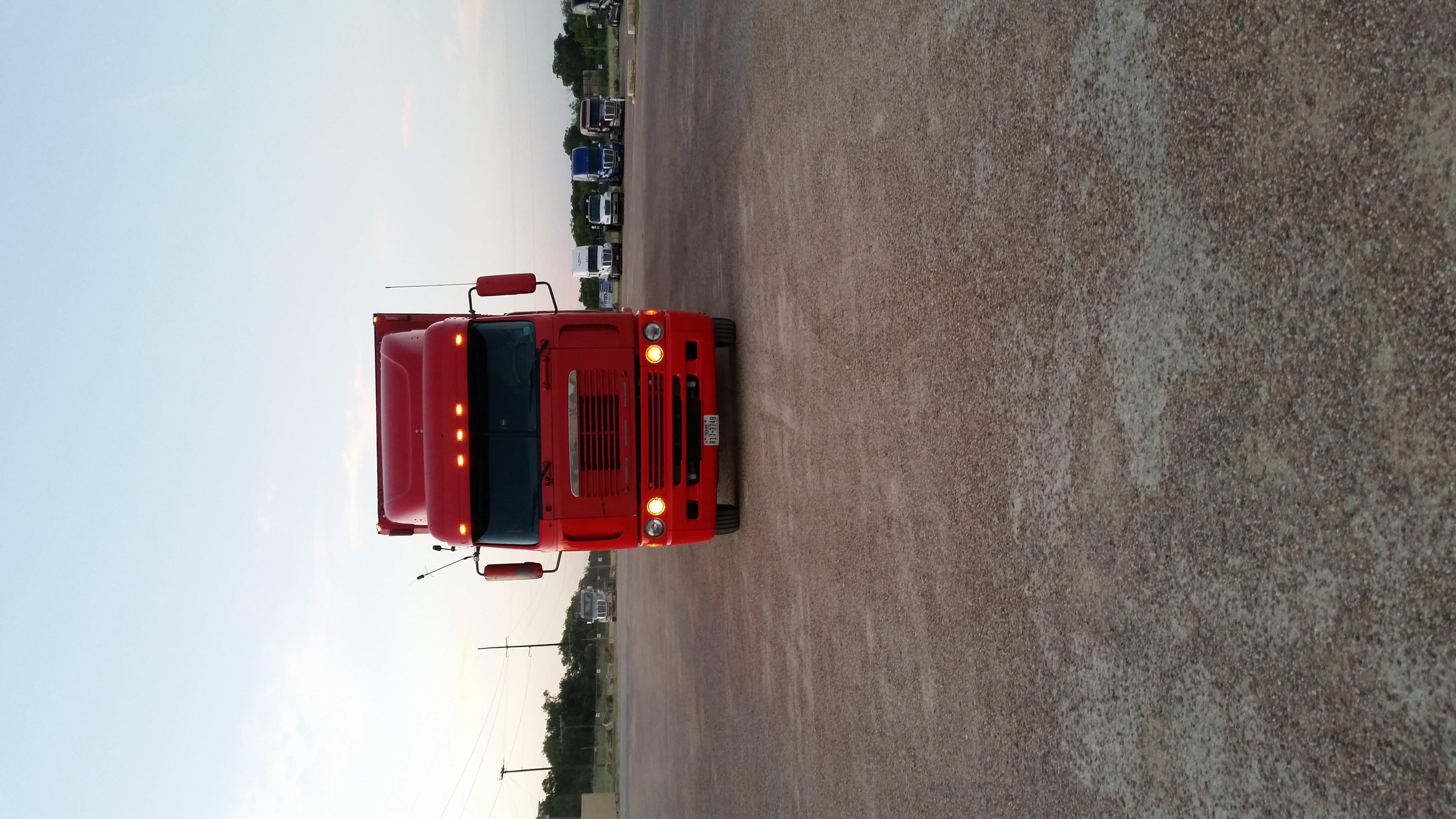 2004 Freightliner Argosy$45,000
