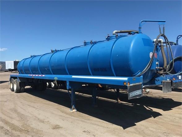 2012 Dragon 42' 130 barrel water tanker with pump, cat walk, h