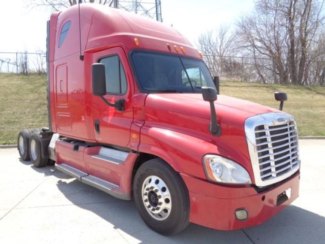 2012 Freightliner CA12564SLP$34,950