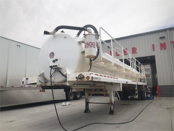 2011 Dragon 42' 103bbl steel water tanker, hose tray, cat walk