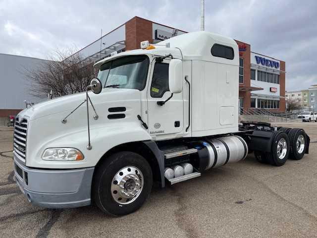 2016 Mack CXU613$66,950