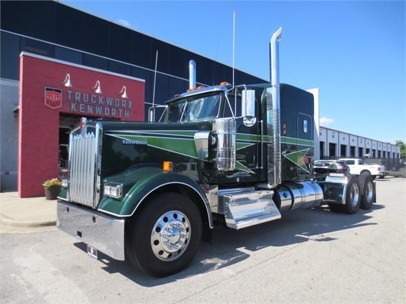 2020 Kenworth W900L - Conventional Sleeper Truck in Richland