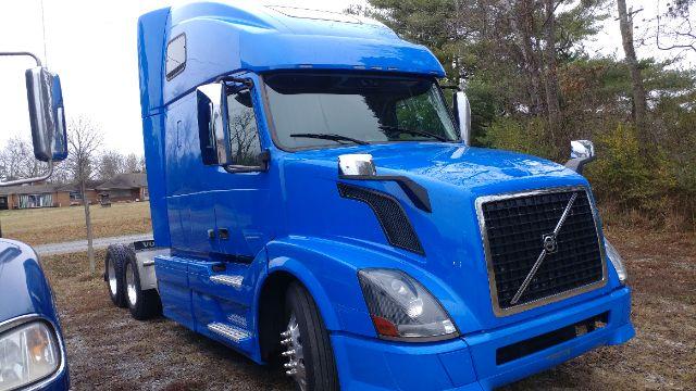 2015 Volvo 670$54,500