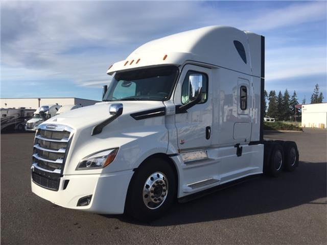 2019 Freightliner CASCADIA 126