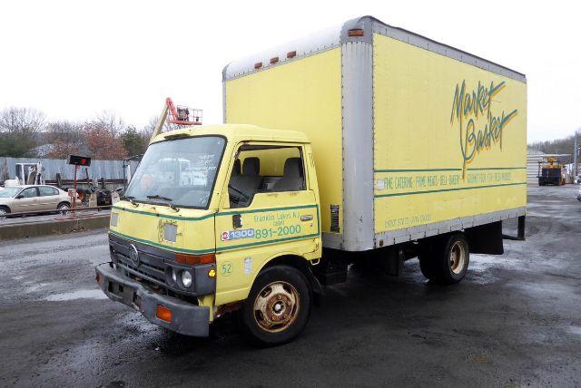1992 UD 1300 BOX VAN TRUCK #574937