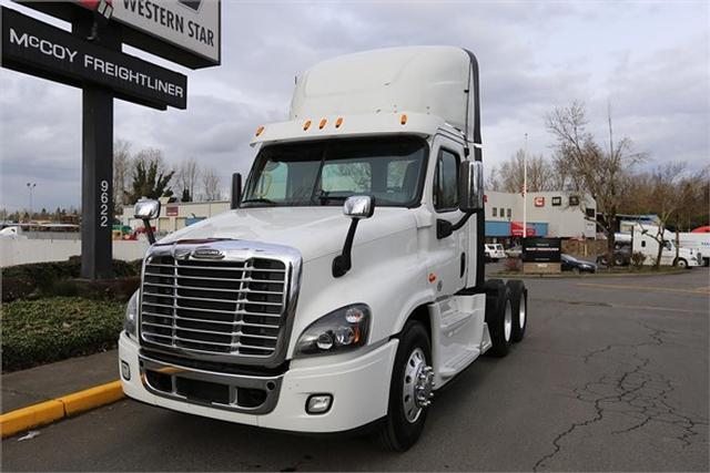 2015 Freightliner CASCADIA 125$64,500