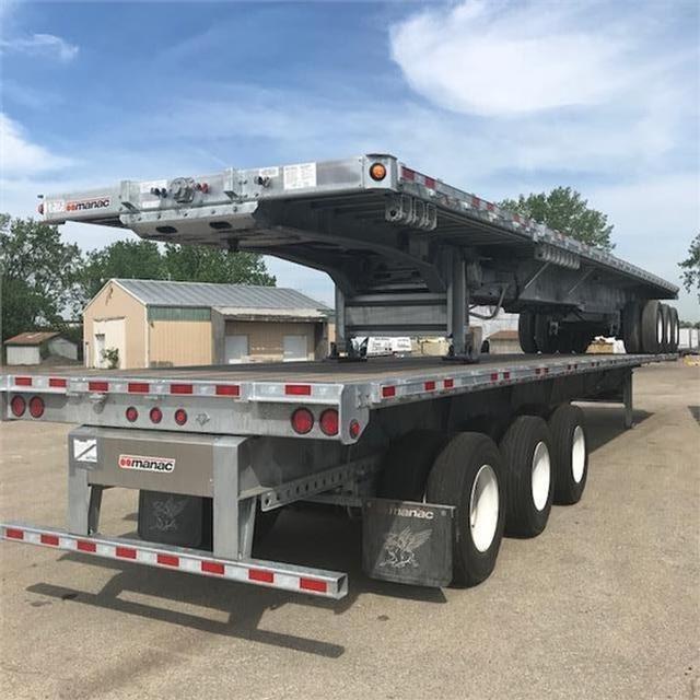 2019 Manac steel extendable flatbed triaxle