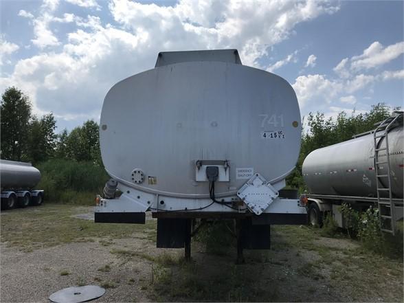 1995 Remtec 11000 gallon single compartment triaxle