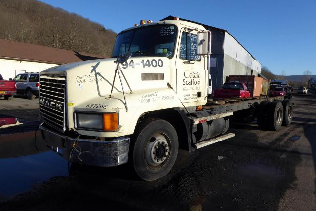 1998 MACK CH613 CAB CHASSIS TRUCK #701469