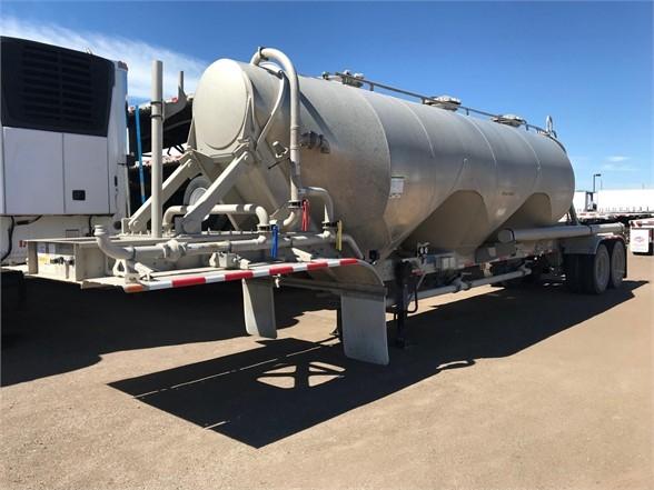 2018 Heil 42' air ride pneumatic tanker, 1040 cu ft, sand ho