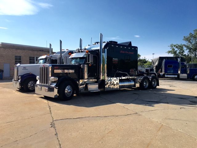2009 Peterbilt 389
