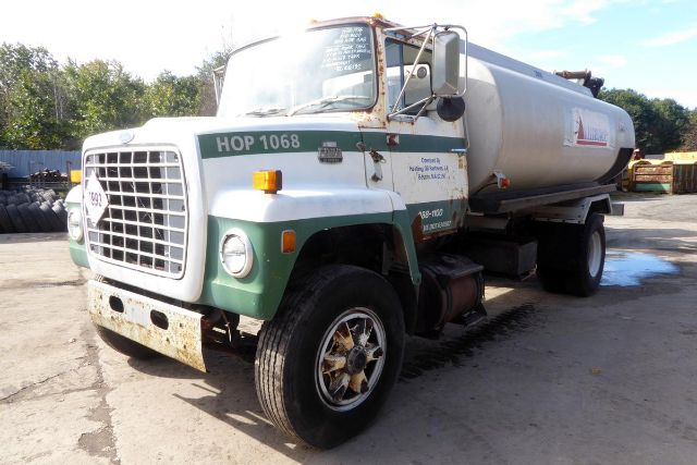 1985 FORD 8000 SALVAGE TRUCK #602605